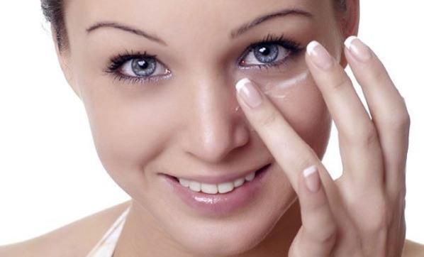 Гепариновая мазь под глаза и для кожи лица