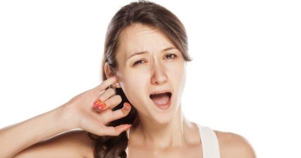 Народные приметы: к чему чешется правое ухо?