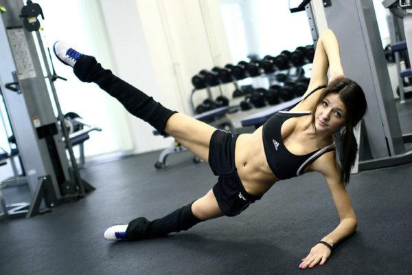 Какую роль играет фитнес в жизни современной девушки?