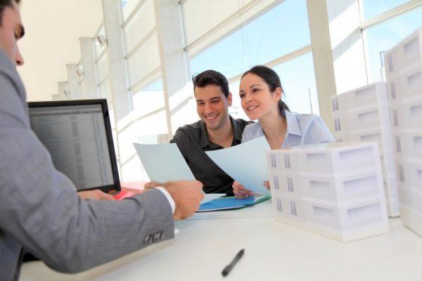Какие документы нужно проверить во время покупки квартиры?